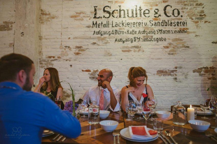 0082 sylwiaundchris d76 4950 - Bunte DIY Hochzeit in der Fabrik 23 - Berlin