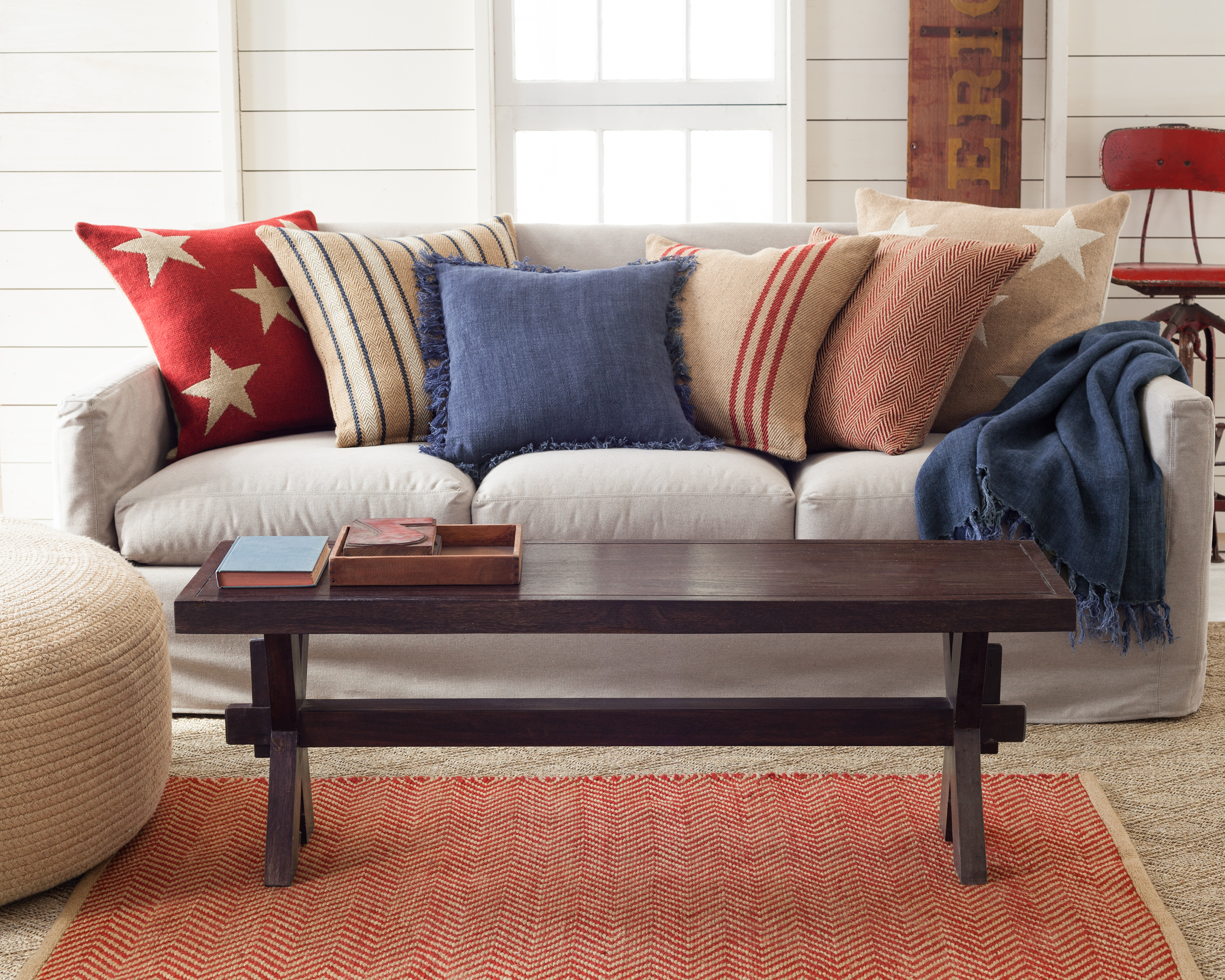 Casual-Chic Decorating With Red, White, And Blue