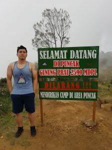 Male Indonesia di Gunung Prau