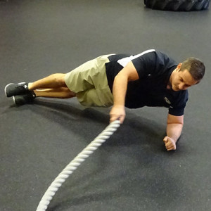 battle rope side plank waves
