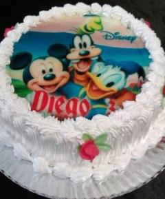 Tarta acabado con oblea comestible de Mickey-Goofy-Donald