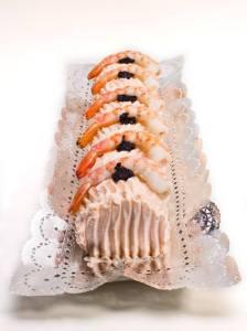 Brazo de Pescado. Brioche salado, salsa rosa, merluza y langostino.