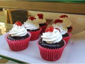 Cupcakes de Chocolate con confitura de fresa