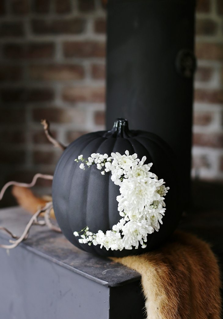 Moody Floral Moon Pumpkin | Decorating With Pumpkins