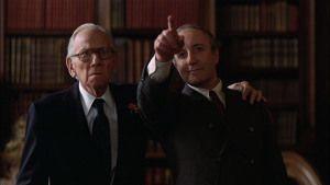 Peter Sellers junto al actor Melvyn Douglas (consejero del Presidente de la Nación).