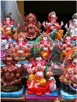 Choosing an Idol for Ganesh Chaturthi