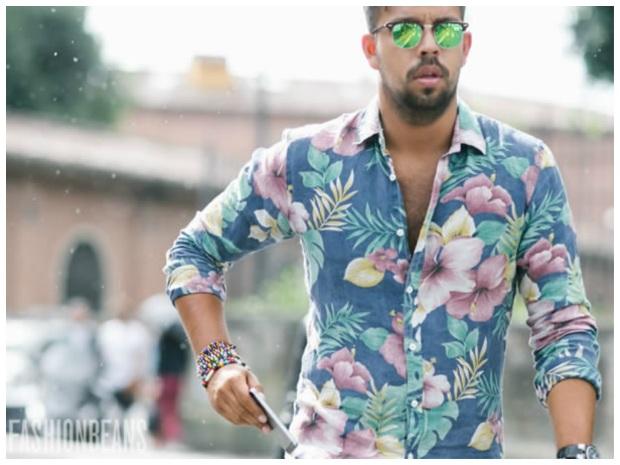 camisa-masculina-resort-estampas-florais-oculos-espelhado