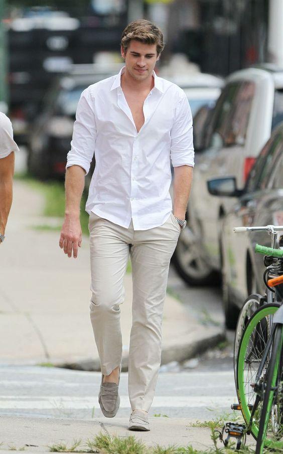 camisa-branca-masculina-reveillon-2018-calça-caqui-mocassim
