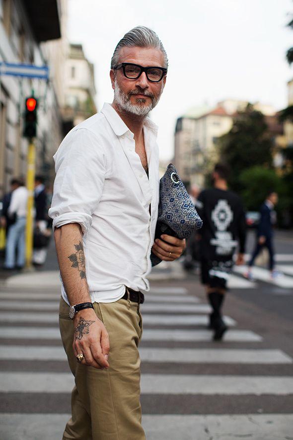 camisa-branca-masculina-reveillon-2018-bermuda-caqui