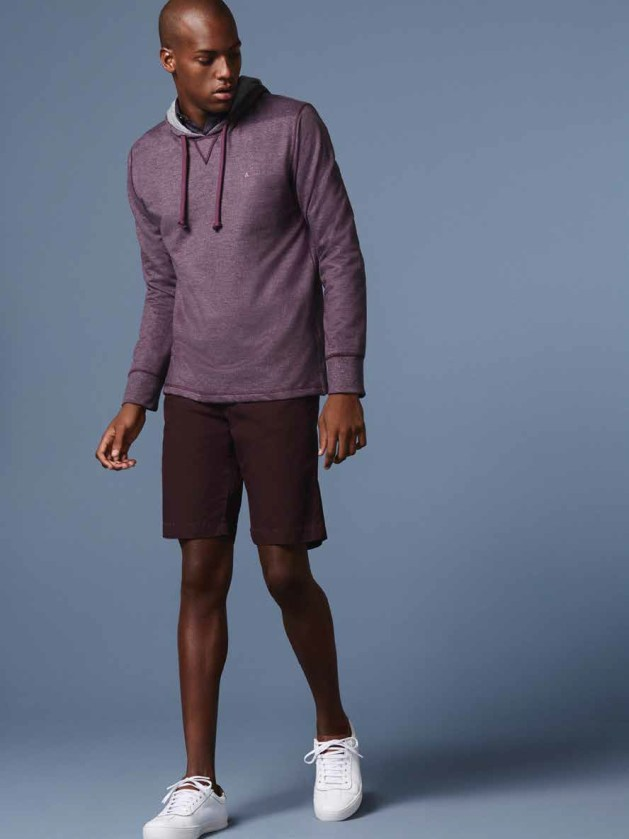 roupa masculina vinho monocromatica