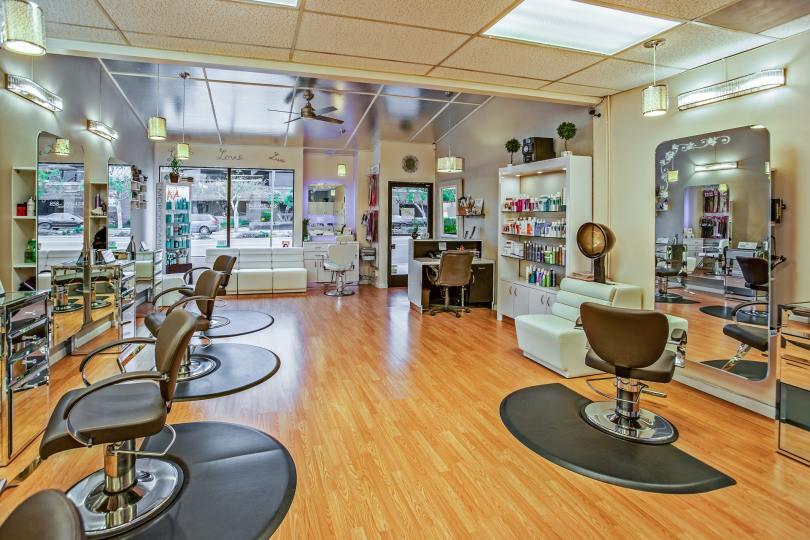 Interior design of a salon in line with salon branding
