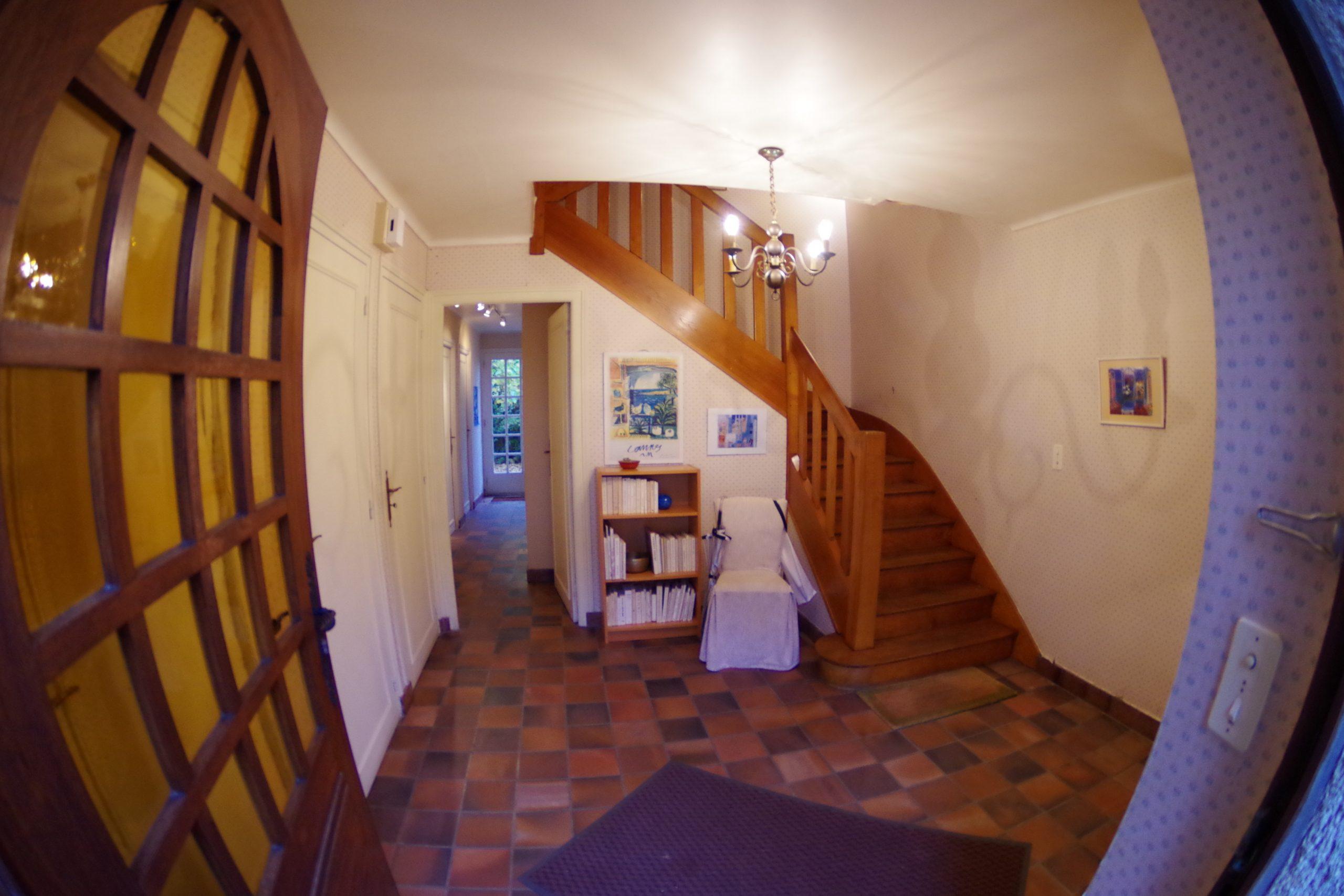 Le hall d'entrée de la maison de Quimper par Archibien