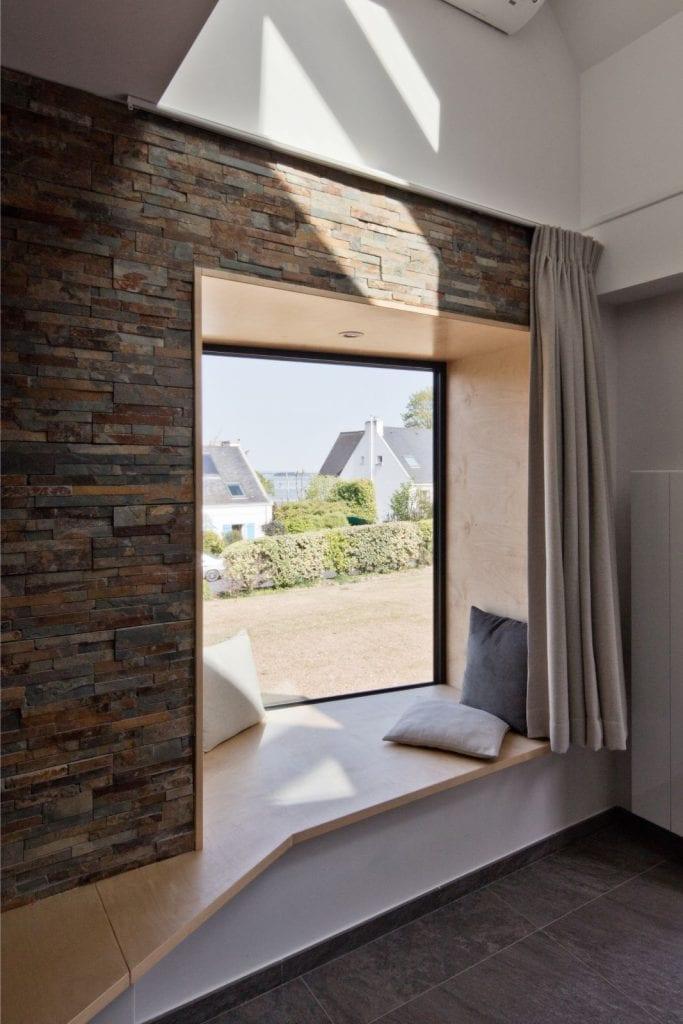 Rénovation et extension d'une maison secondaire projet Archibien bord de fenêtre détente