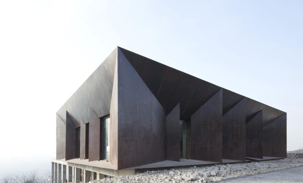 Matériau architectural matériau architectural White Deer Plain Mountain Resort Hotel par Huiyimingcheng, Xi'an Chine