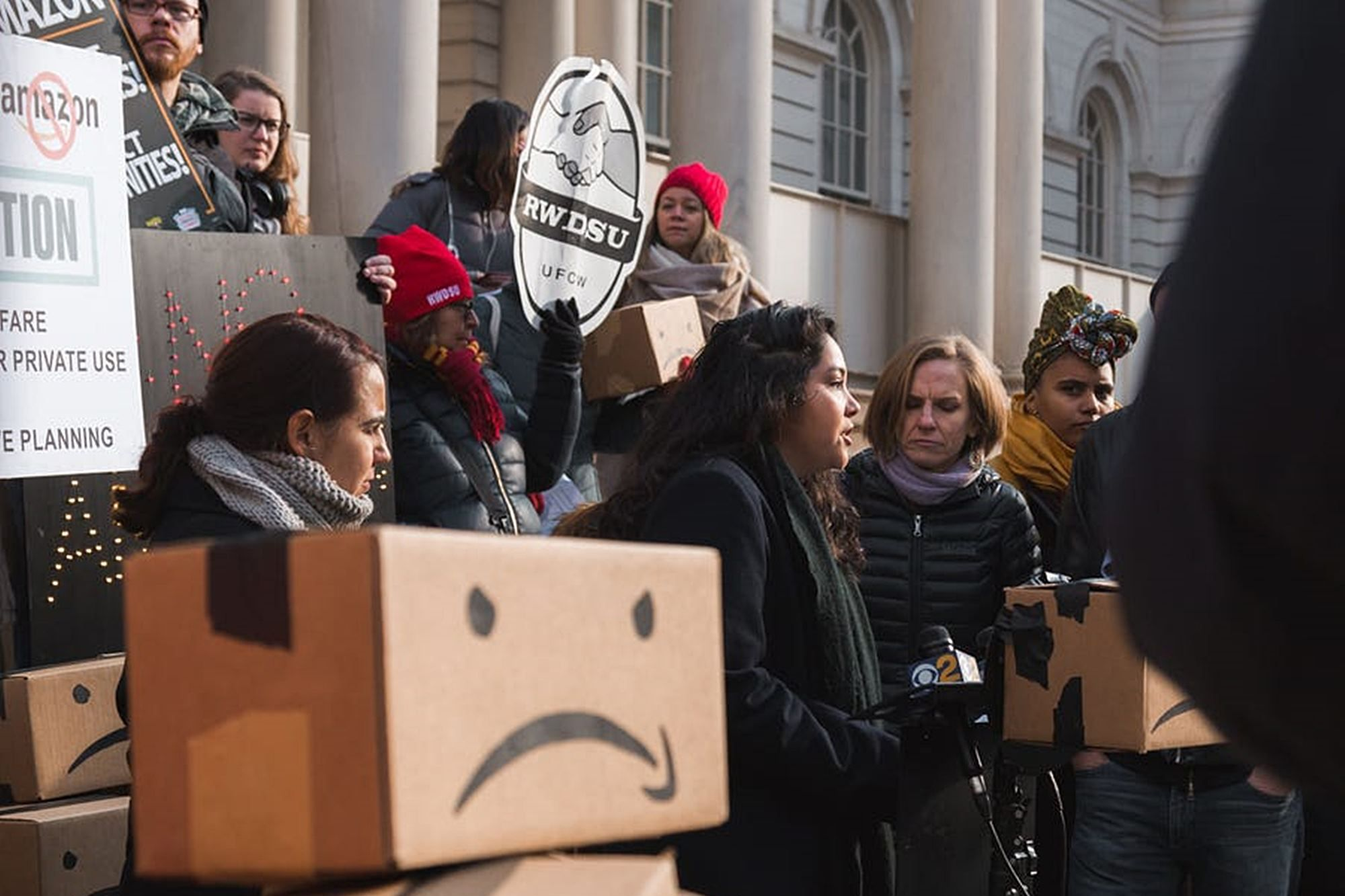 An Author Changed the Cover of His Book on Amazon Into a Message Urging Amazon Workers to Unionize