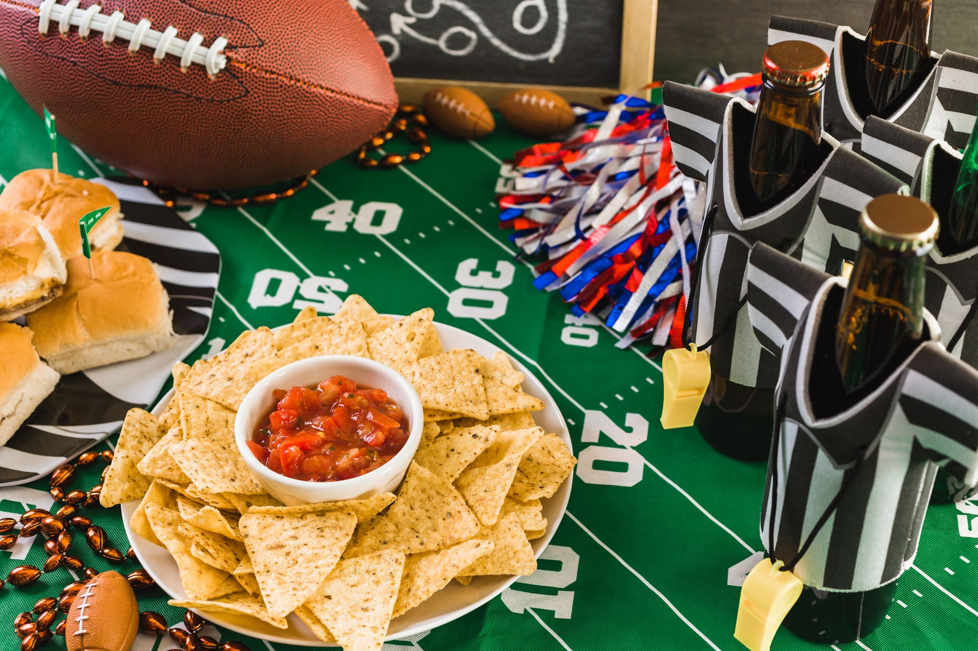 10 Amazon Essentials for Throwing an Amazing Super Bowl Party