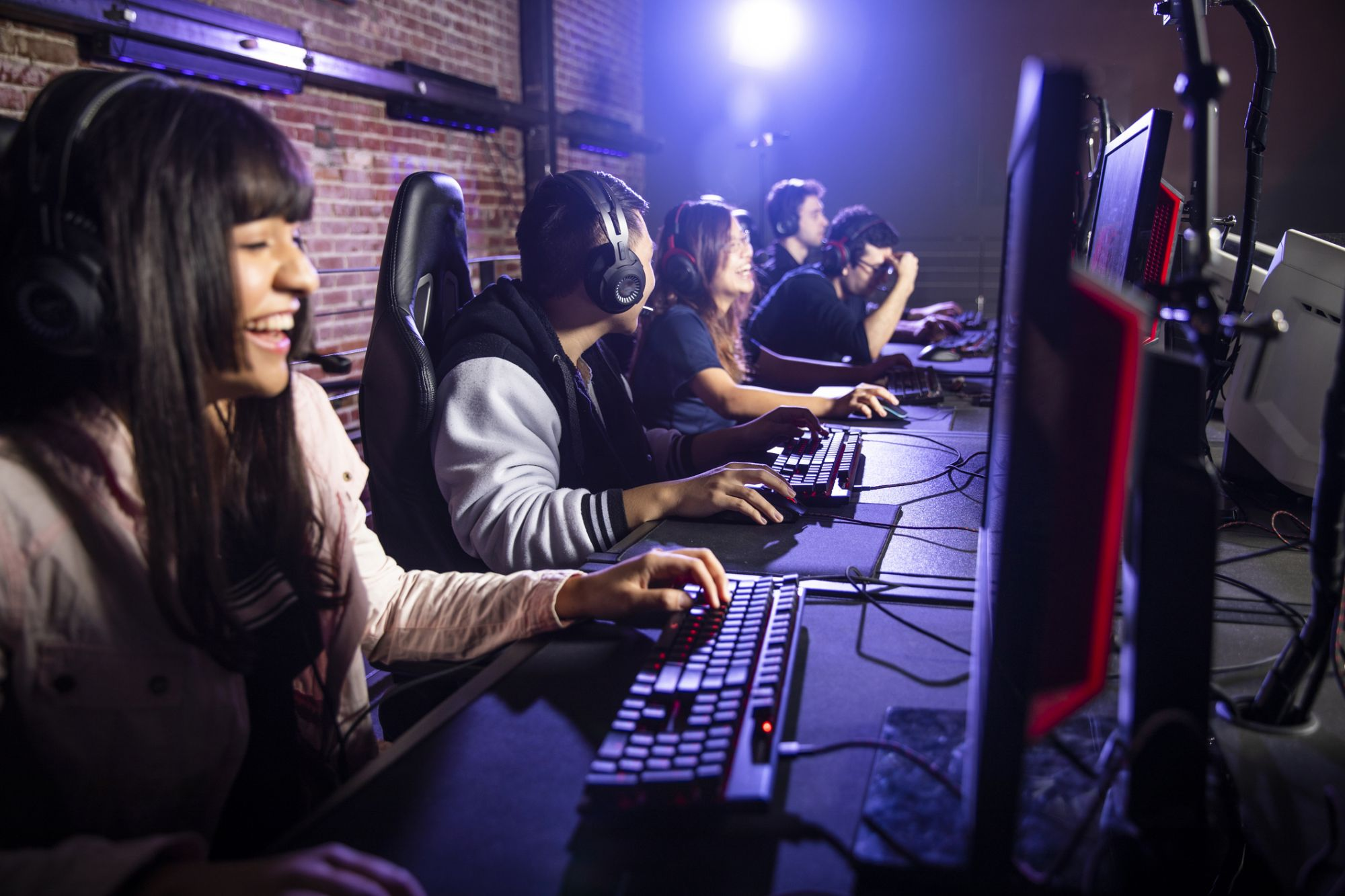 5 Ways Esport Entrepreneurs (and All Other Business Leaders) Can Build An Active Community