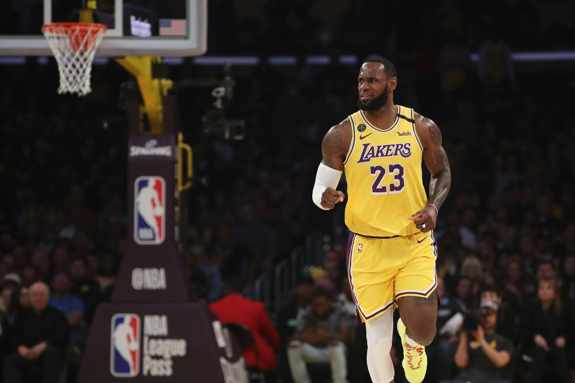 L.A. Lakers Latest Private Company to Return PPP Funds