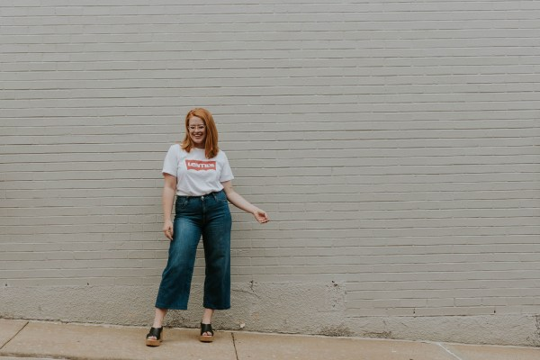 Take a break from sun dresses and summer skirts with and style a pair oof women's culottes pants with these helpful tips.