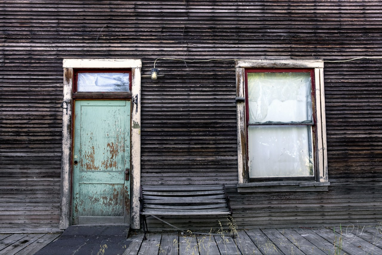 Abandoned buildings in Fort Klamath, Oregon