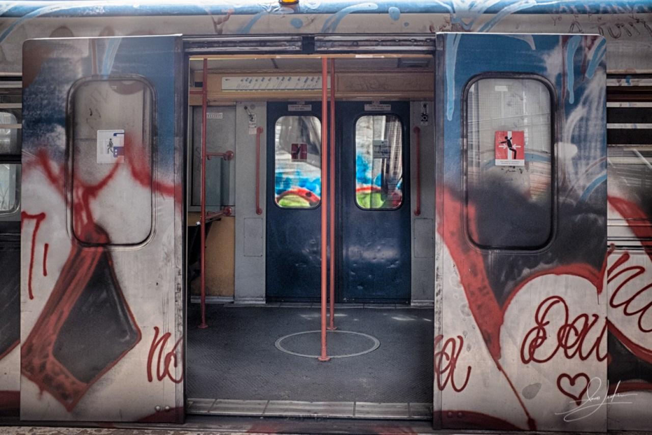 Roma-Train-Graffiti