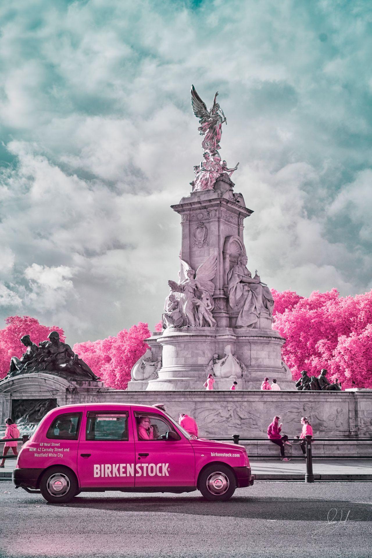 Victoria Memorial - London, England