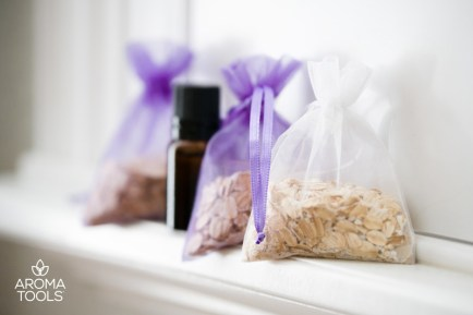 Oatmeal Shower Scrub Bags