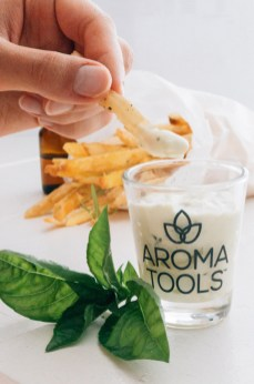 Rosemary Potato Fries with Creamy Basil Dip