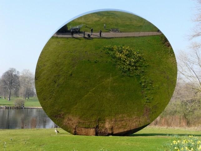Mirror Hyde Park