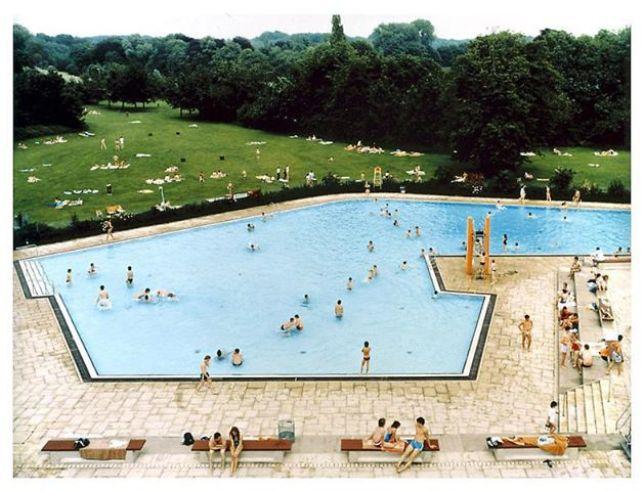 Andreas Gursky, Ratingen Swimming Pool