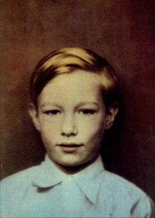 Andy Wharol, âgé de 8ans (1936)