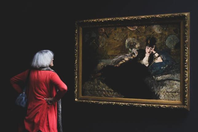 musée femme rouge