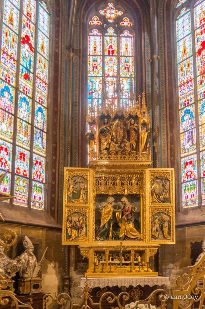 Капелла св. Троицы, с алтарем со сценами из жизни Богородицы