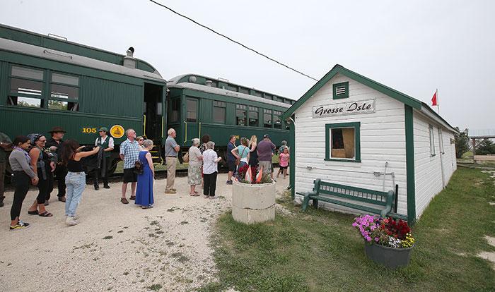 Prairie Dog Central: Grosse Isle