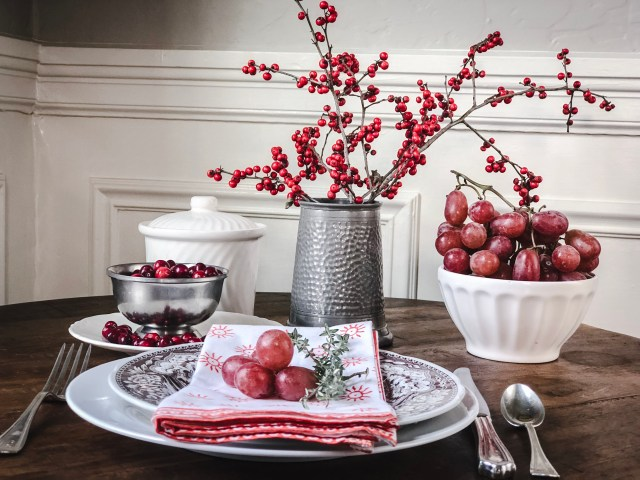 Tablesetting_red_brownplate