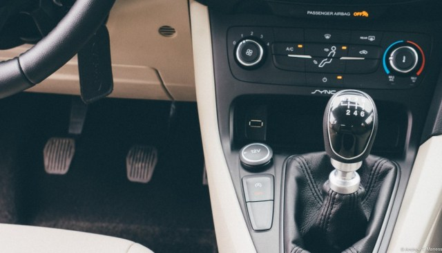 The 6 speed manual transmission found inside of the Ford Focus Sedan.