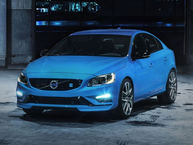 Front view of the 2014 Volvo S60 Polestar in electric blue