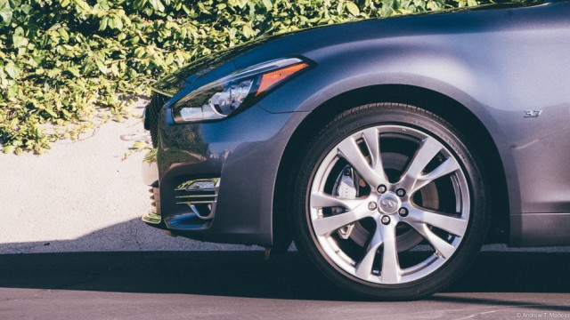 side view of the front wheel of the Infiniti Q70L