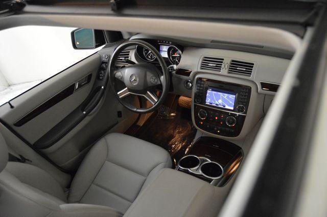 2012 Mercedes Benz R350 interior
