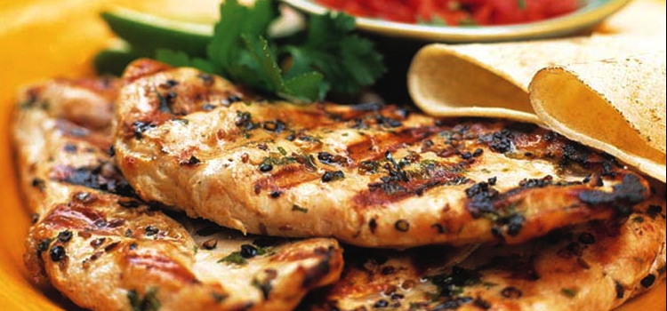garlic herb chicken breast, picture of garlic herb chicken breast sitting on a plate