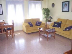 Este adosado en Villena, te ofrece mucho espacio y confort...