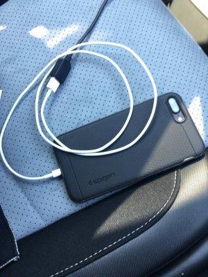 楽ナビAVIC-RZ99にiPhoneをiPod接続する。Bluetooth接続より良い感じ。