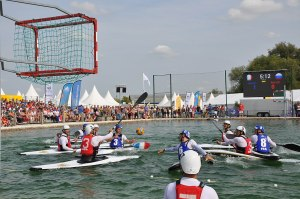 Top 20 activités insolites à Nice Canoe Kayak Polo