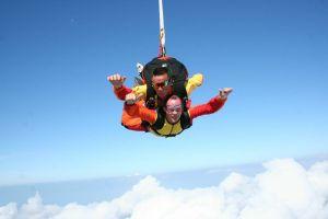 top activité insolite rennes ille et vilaine parachutisme saut en parachute