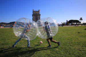 bubble foot à Lisbonne - Activité insolite Lisbonne