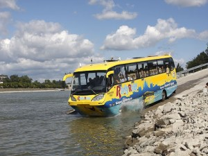 bus flottant - Activité insolite à Budapest