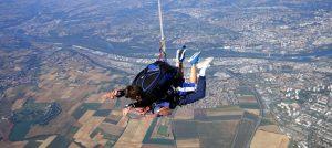 saut-parachute-activité-insolite-Lyon