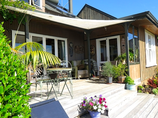 The Farm Cottage - Raglan Holiday Home