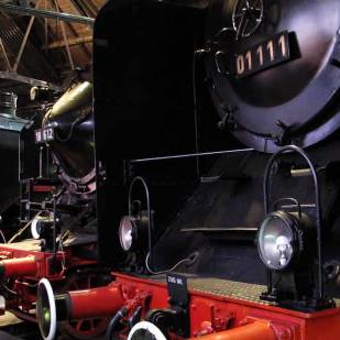 Im Lokschuppen sind berühmte Dampflokbaureihen zu bewundern.