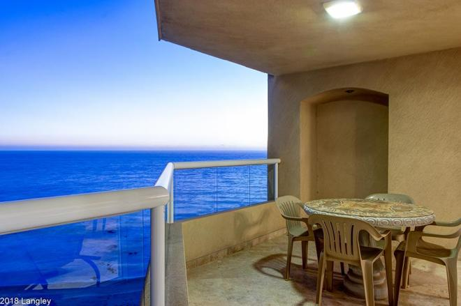 Oceanfront Condo For Sale in La Jolla Real, Rosarito Beach